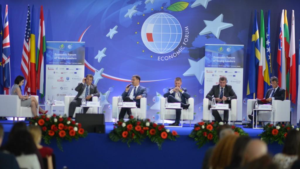 Panel dyskusyjny podczas XXIV Forum Ekonomicznego nt. przyszłości młodego pokolenia, Krynica-Zdrój, wrzesień 2019 r.