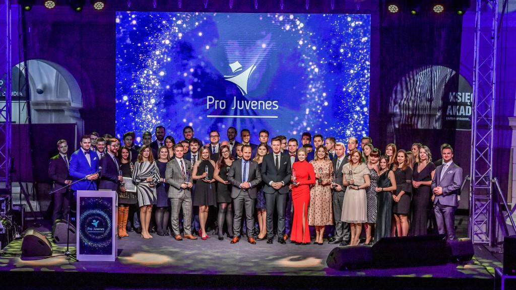 Gala Pro Juvenes, podczas której Parlament Studentów RP wyróżnił WIB za inicjatywę OFMA, Warszawa, listopad 2019 r.